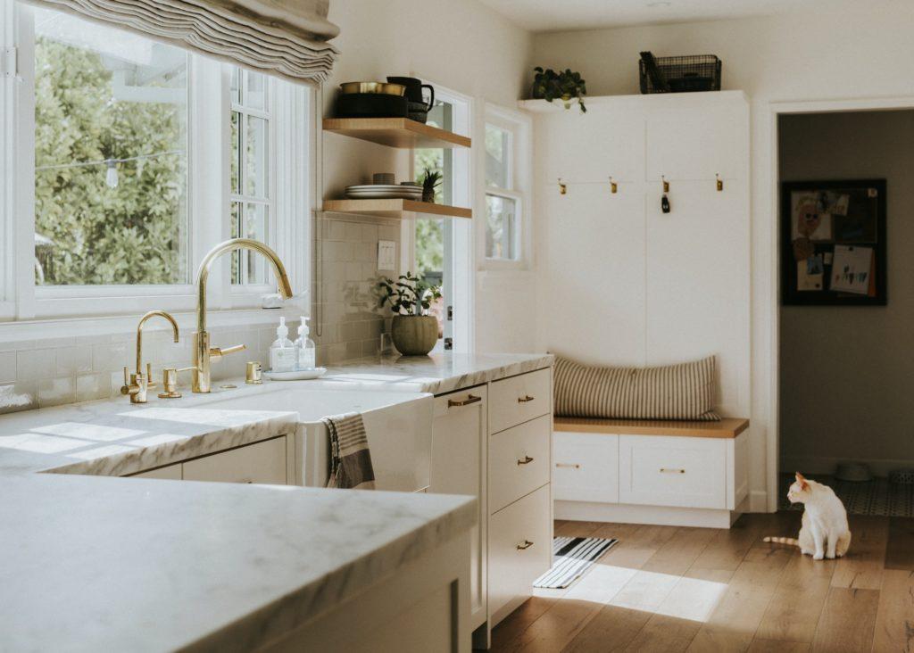Clean home kitchen sink